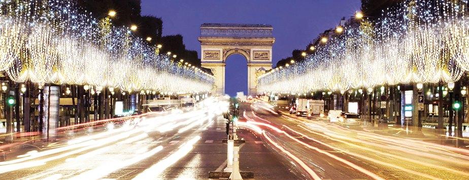 PARIS S'ILLUMINE POUR NOËL
