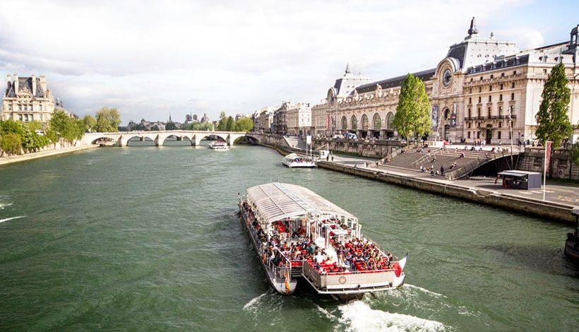 BONNES VACANCES A PARIS